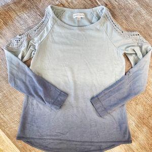 Cold shoulder ombre top sz xs
